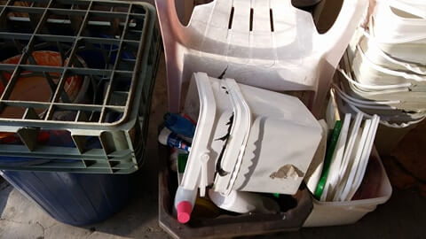 Изкупуване на пластмаса
